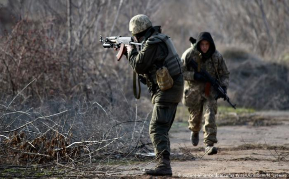 Українських військових на Донбасі бойовики двічі обстріляли з гранатометів