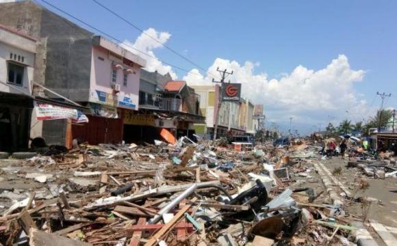 Число жертв землетрусу в Індонезії росте