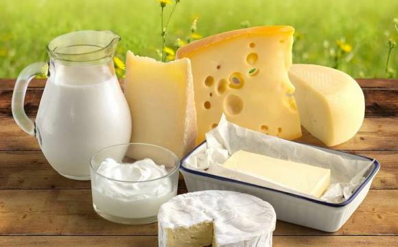 Назвали виробників, які виготовляють неякісні сир та масло