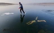 Рекорд у ополонці: чех проплив 81 метр під кригою