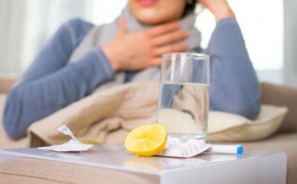 Названо три відмінності застуди від COVID