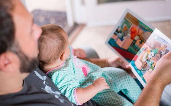«Тато, як мама»: президент підписав закон про чоловічий декрет