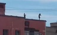 Школярки залізли на дах зробити «селфі»: подробиці загибелі десятикласниці з Рівного. ФОТО