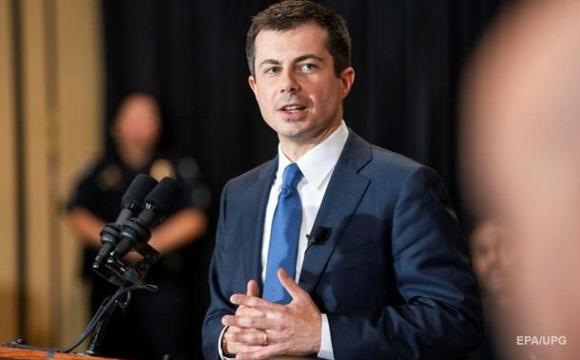 Чергове «вперше» у США: міністром став гей