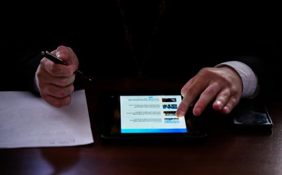 В Україні запустили мобільний додаток для молитов та чатів зі священниками