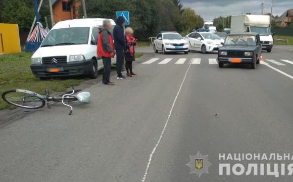 Поблизу Луцька легковик збив велосипедиста, чоловіка госпіталізували