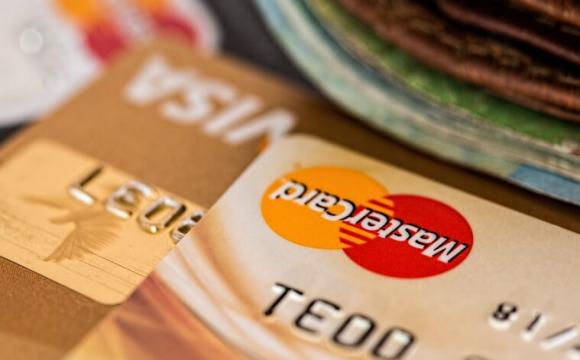 Українці отримуватимуть банківські картки по-іншому