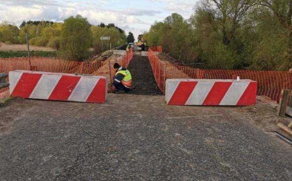 На місці обваленого моста на трасі Львів–Луцьк створили пішохідний перехід. ФОТО