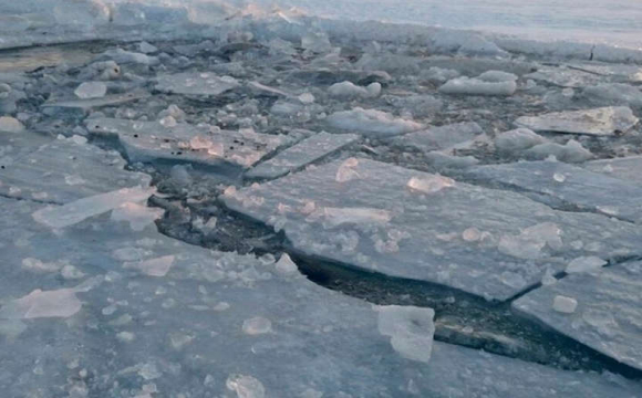 Українські туристи провалилися під лід на озері в Польщі