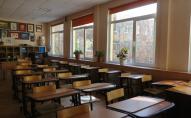Школи масово закривають через спалах Covid-19