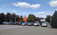 Меморіальний комплекс Луцька перетворили на парковку