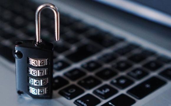«Маніпуляції громадською думкою»: український інтернет визнали «частково вільним»
