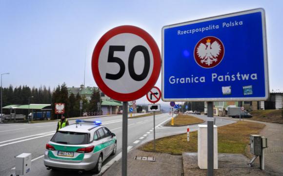 Польщу накрила третя хвиля пандемії