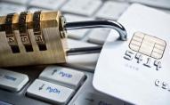 Monobank, «Ощадбанк» і «ПриватБанк»: чому можуть заблокувати картку