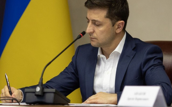 В Україні скасували вікові обмеження для держслужбовців