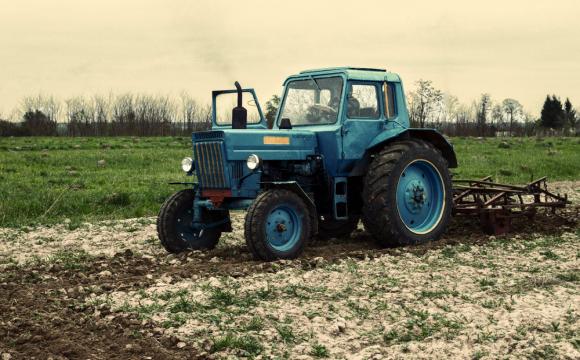 На Рівненщині 5-ти річного хлопчика переїхали трактором
