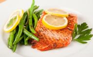 Вишукана вечеря з червоною рибою під шампанським: рецепт