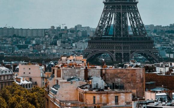 У Парижі 300 мігрантів зайняли будівлю колишнього дитсадка