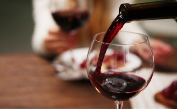 Як червоне вино допомагає побороти депресію