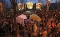 Біля парламенту в Єревані ночували сотні опозиціонерів