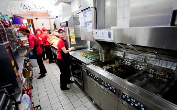 Стерильність і чистота: наскільки безпечно харчуватися у луцькому «МакДональдсі». ВІДЕО