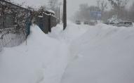 Депутатка про кучугури снігу у Луцьку: розтане – буде катастрофа. ВІДЕО