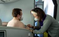 Вакцинували прямо у бізнес-класі літака: у Новій Зеландії креативно підійшли до популяризації щеплень