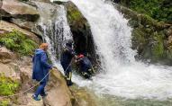 Вчительці, під час екскурсії з якою на водоспаді загинув школяр, загрожує до 5 років позбавлення волі