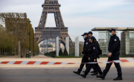 Франція запроваджує комендантську годину