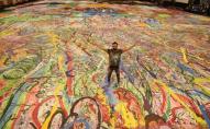 Найбільшу картину у світі (величиною в два футбольних поля) продали за $62 млн. ВІДЕО. ФОТО