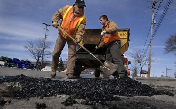 Шукають, хто зробить «дрібний» ремонт біля Луцька за 4 мільйони