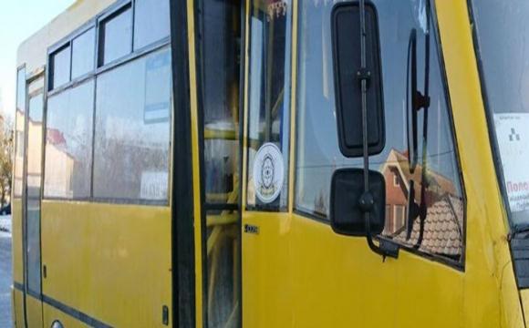 У Луцьку зупинили переповнену маршрутку: двох пасажирів доставили в райвідділок