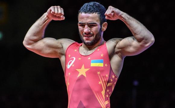 Мінімум срібло: українець Насібов боротиметься у фіналі Олімпіади-2020!