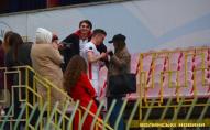 Футболіст «Волині» освідчився дівчині після матчу. ФОТО