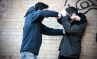 П'ять ударів руками та один ногою в обличчя: у Луцьку студент побив неповнолітнього