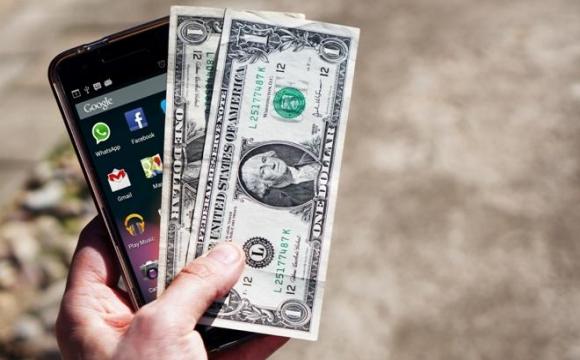 Через смартфон можуть вкрасти всі ваші гроші
