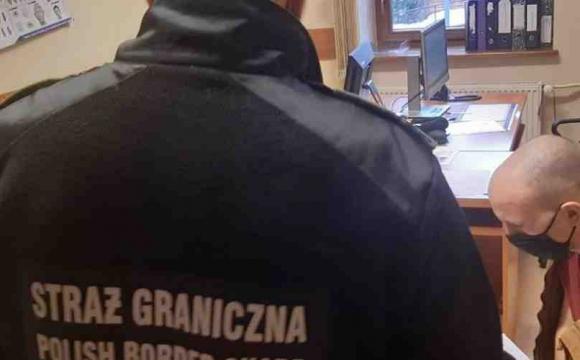 Обдурив працедавця: з Польщі депортували 20-річного українця: